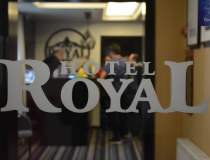 (P) Eveniment la Royal...