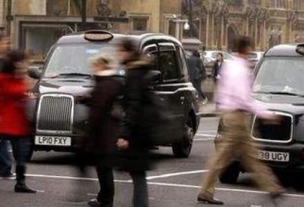 O zi NEAGRA: producatorul cunoscutelor taxiuri din Londra a intrat in faliment