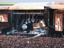 Depeche Mode revine la...