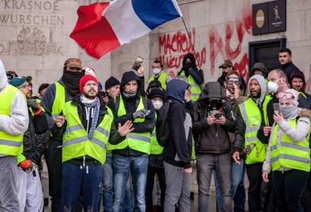 Franta: Violente intre 'vestele galbene' si fortele de ordine la Paris, in al 18-lea weekend de mobilizare civica