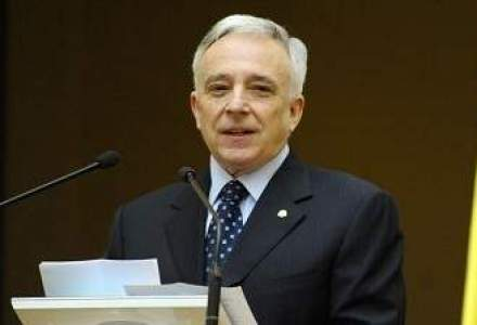 Reactia lui Isarescu dupa frauda creditelor: Nu e vorba de o caracatita a bancherilor