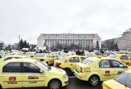 Transportatorii rutieri protesteaza in Capitala si ameninta cu un miting de amploare