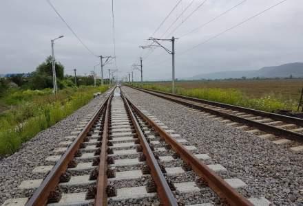 Locomotiva unui tren CFR care circula pe ruta Brasov - Bucuresti a deraiat. Circulatia a revenit la normal