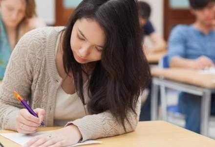 O eleva de 17 ani a dat #foaiagoala la simulare, dar a scris 6 pagini de nemultumiri