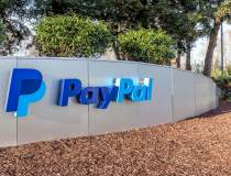 PayPal intra in lumea...