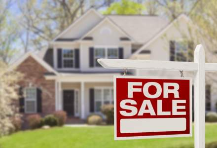 Radiografia tranzactionarii imobiliare pentru un proprietar: sa vanda singur sau sa apeleze la o agentie?