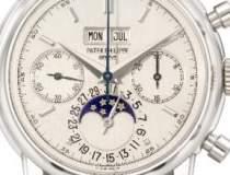 Un ceas de platina al lui...