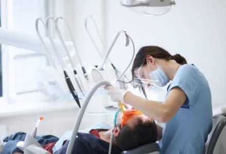 Cate cabinte stomatologice cu program non-stop sunt in Bucuresti. Sectorul 1 are cele mai multe clinici