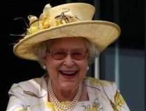Regina Marii Britanii trece...