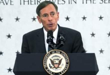 Cele doua femei protagoniste ale scandalului Petraeus au efectuat vizite la Casa Alba