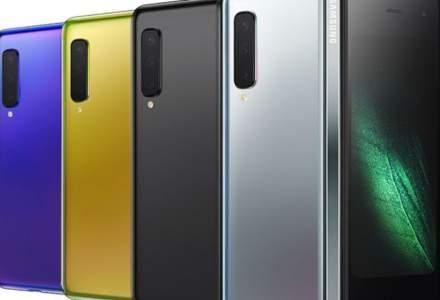 Samsung amana livrarea Galaxy Fold. Ce spun analistii?