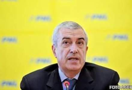 Tariceanu il inteapa pe Antonescu: Liderul liberarilor ar fi trebuit sa prezinte un plan propriu de redresare economica pana acum