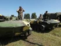 Cluj: Parada militara cu...