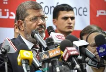 Mohamed Morsi va organiza un referendum pe tema Constitutiei in Egipt
