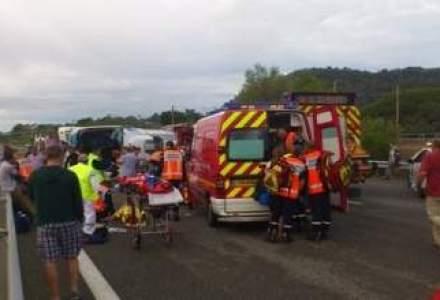 Arges: Trei persoane ranite, intre care una in stare grava, dupa ce doua masini s-au ciocnit