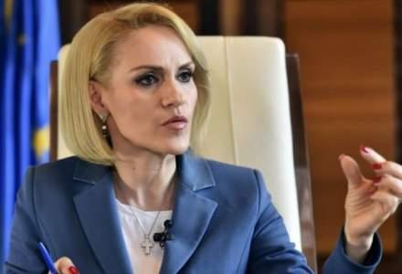 Gabriela Firea cere in instanta daune morale de 100.000 de euro useristilor Nicusor Dan si Roxana Wring