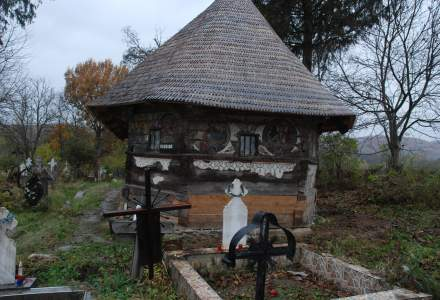 Cum a fost salvata de la degradare si uitare o biserica de lemn din Ursi, judetul Valcea