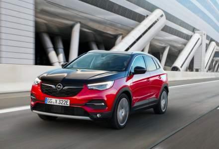 Opel lanseaza noua versiune Grandland X PHEV
