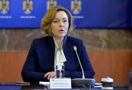 Demisia ministrului de Interne Carmen Dan, ceruta de 40 de organizatii civice pentru abuzurile jandarmilor de la Topoloveni