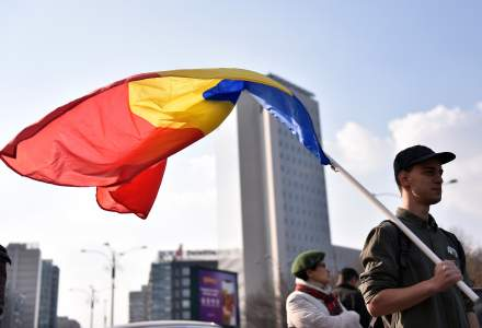 "Manifestia ""Toti pentru Europa"", in Piata Victoriei; concerte si mesaje transmise pentru a incuraja participarea la vot"