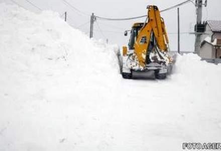 Zeci de drumuri din 29 de judete sunt acoperite cu zapada