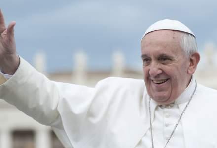 """Papa Francisc: Interzicerea avortului tine de uman, nu de religios. Intreruperea voluntara a sarcinii este similara cu recurgerea la un """"asasin platit"""""""