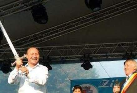 Ponta, mesaj catre Basescu: Cine va ridica sabia de sabie va muri!