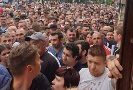 Romanii, blocati sa voteze din cauza incompetentei Guvernului