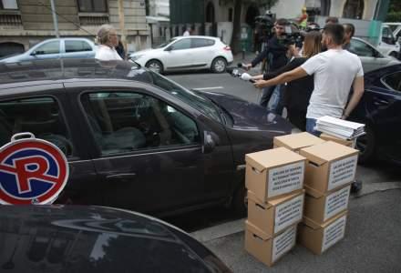Peste 400.000 de romani au semnat pentru reglementarea serviciilor de ridesharing
