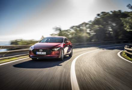 Mazda a lansat primul motor pe benzina care combina aprinderea prin compresie cu cea prin scanteie