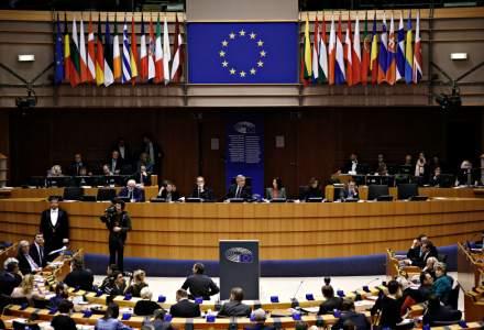 Comisia Europeana critica dur derapajele fiscale ale Romaniei intr-un document oficial. Marile hibe: legea pensiilor, OUG 114, proasta colectare a veniturilor, ignorarea fondurilor UE, lipsa de infrastructura, lipsa de transparenta