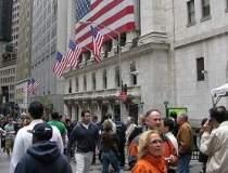 Bursa americana a fost...