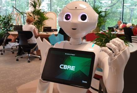 CBRE a atras in echipa sa primul robot humanoid dintr-o companie de real estate din Romania, PepperEscu