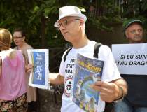 Protest la Palatul Cotroceni:...