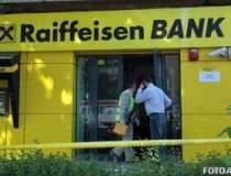 Jaf armat la o banca din...