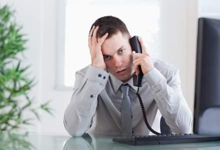 Angajatii din institutiile romanesti le inchid telefonul investitorilor straini cand ii aud vorbind engleza