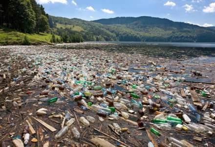 Denes: Asistam neputinciosi si nemultumiti la raurile de gunoaie care sufoca apa, distrug localitati, ucid animalele