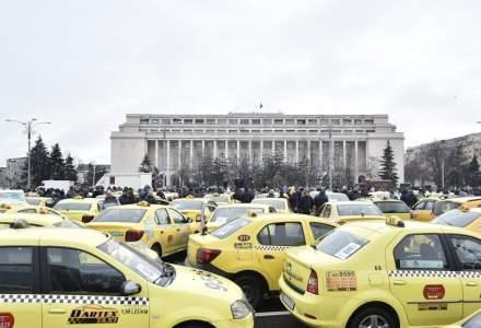Disperare, resemnare si furie intre taximetristi: Trebuie sa protestam!