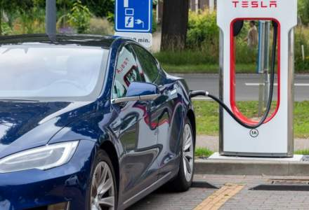 Vanzari record de masini electrice si hibride