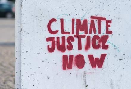 Parisul a declarat ''stare de urgenta climatica''. Trebuie ''sa indeplinim obiectivele Acordului de la Paris''