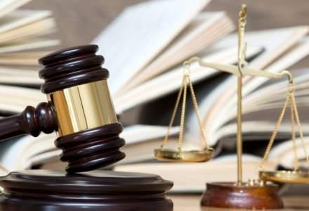 CCR amana din nou decizia pe sesizarile privind modificarile la Codurile Penale