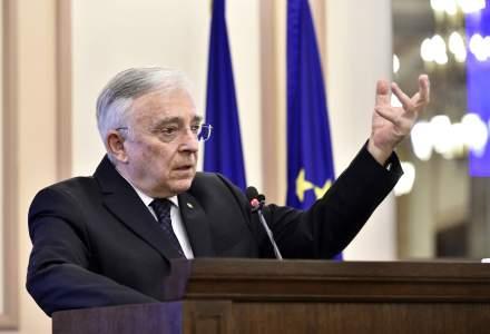Declaratia de avere a guvernatorului Mugur Isarescu: ce salariu incaseaza de la BNR si ce pensie are