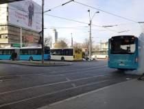 Multiple statii de autobuz...