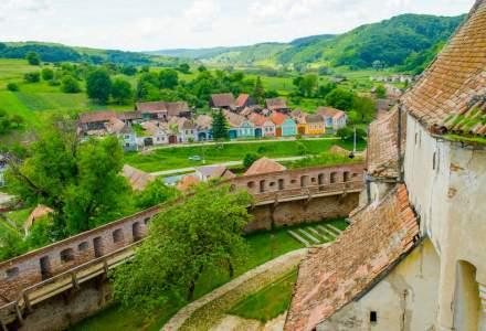 Ambasada SUA investeste o jumatate de milion de dolari in restaurarea unei biserici fortificate din Sibiu