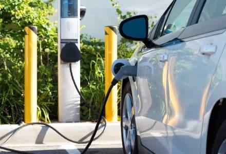 Majorare cu aproape doua treimi a vanzarilor de autoturisme ecologice in Romania, in primele 6 luni, potrivit APIA