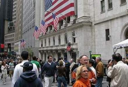 Aproape jumatate din activitatea brokerilor de la BCR s-a mutat pe pietele internationale