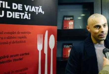 (P) Antrenorul si nutritionistul World Class,Valentin Vasile, isi lanseaza propriul ghid de slabire