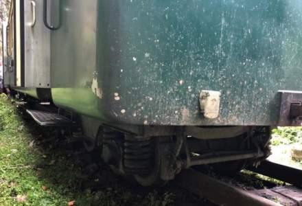 Maramures: 12 turisti raniti usor dupa ce locomotiva trenului Mocanita a deraiat