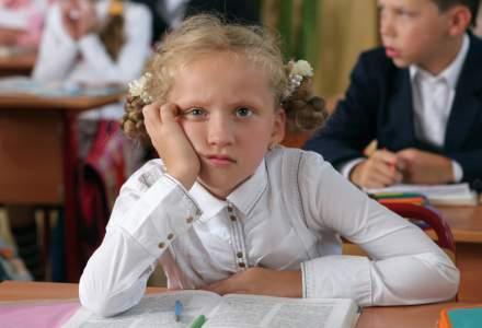 Salvati Copiii: Educatia, sacrificata din nou! 280.000 de copii nu urmeaza nicio forma de invatamant
