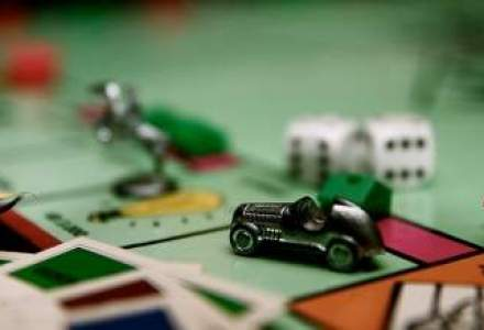 """Revolutie"" in jocul Monopoly: o pisica va inlocui figurina-fier de calcat"